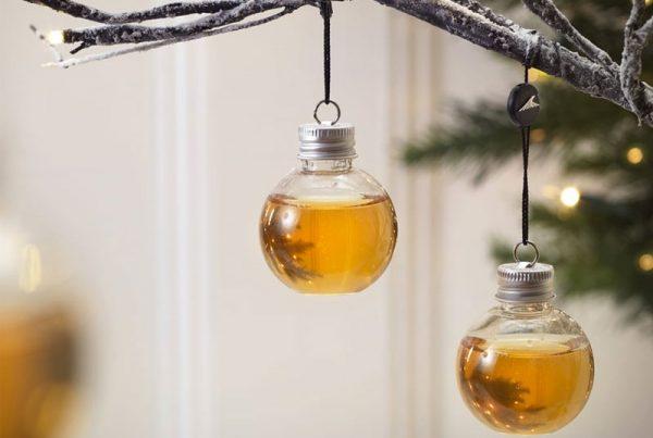 whiskey-met-kerstballen